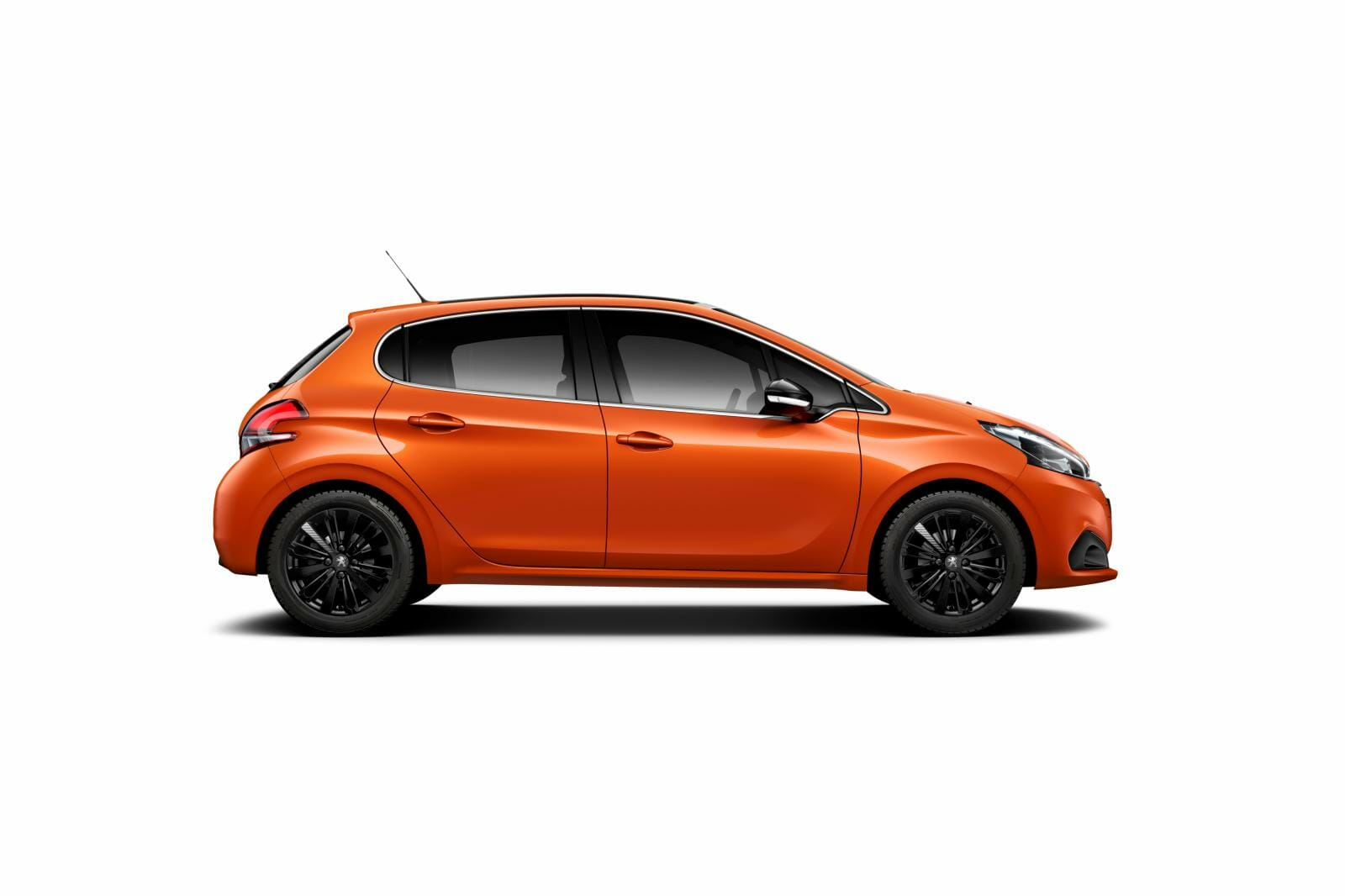 2015-peugeot-208-facelift-revealed-complete-with-12-turbo-and-orange-paint-video-photo-gallery_14